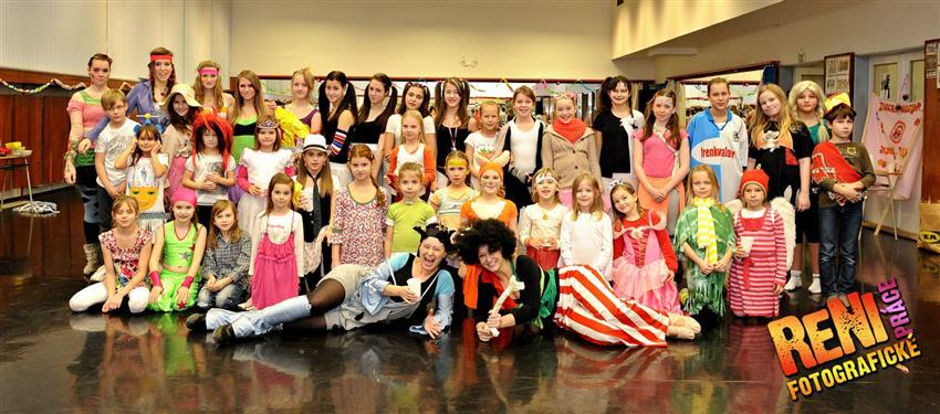 Fotogalerie - Crazy taneční rozlučka všech žáků tanečního oboru - 2012